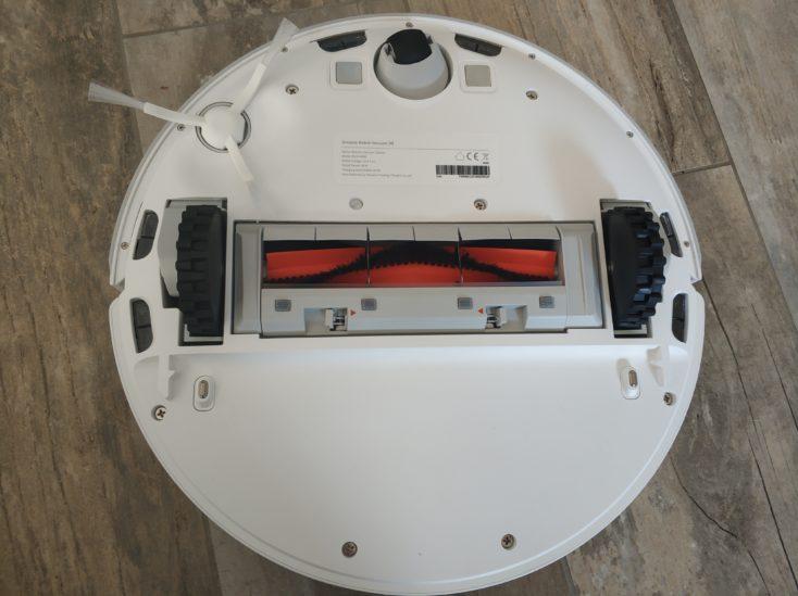 Dreame D9 vacuum robot underside