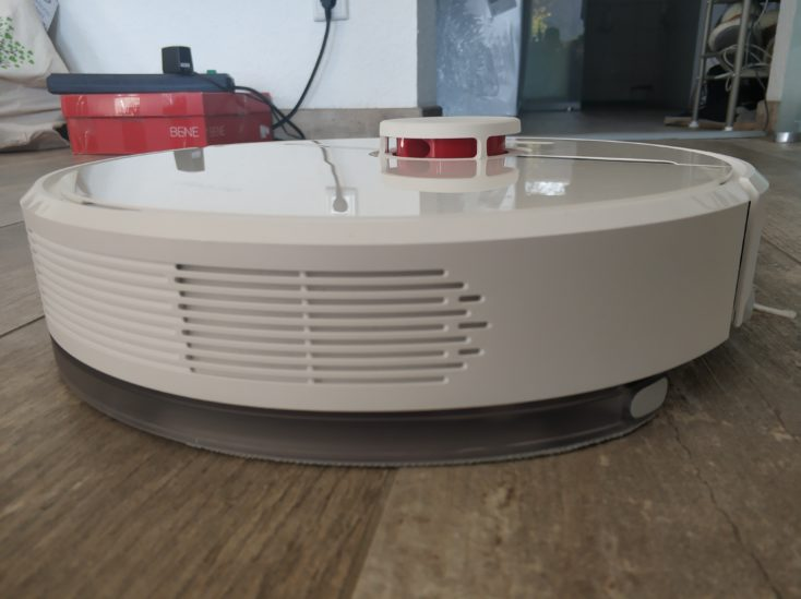 Dreame D9 vacuum robot wiping function