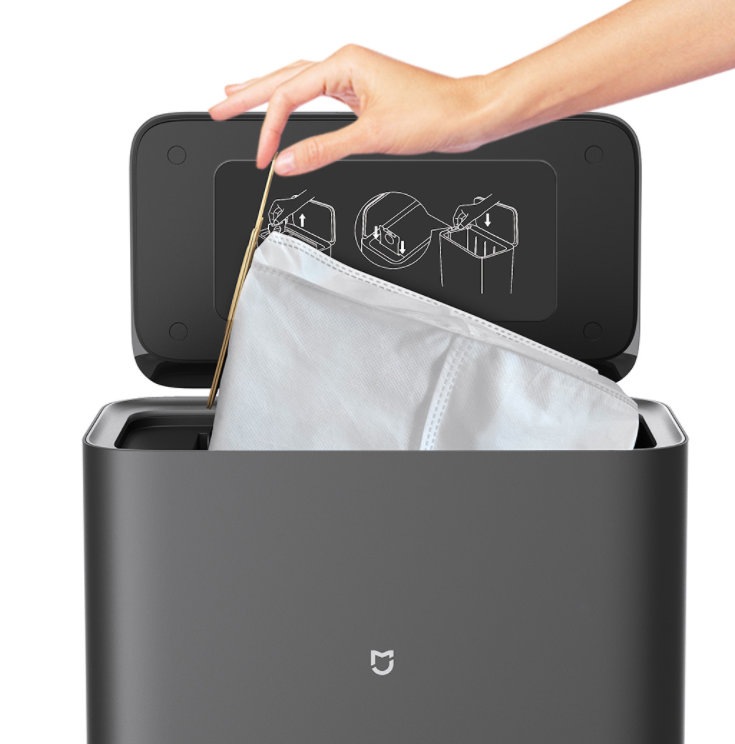 Xiaomi Mijia vacuum robot with extraction station dust bag