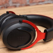 Tronsmart Shadow Headset Side