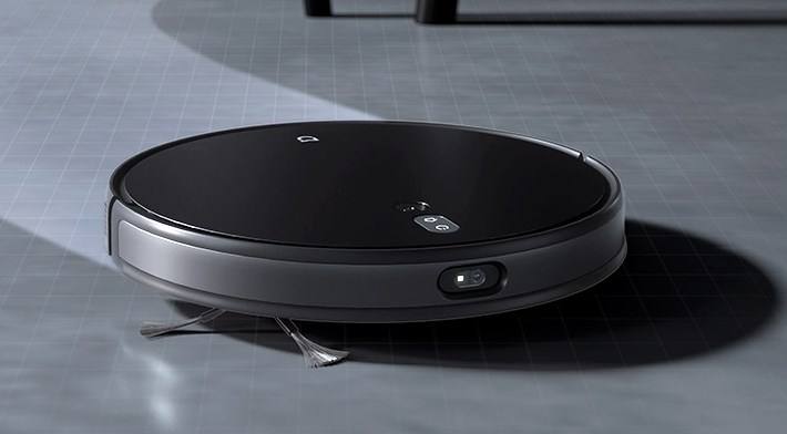 Xiaomi Mijia Ultra Thin Vacuum Robot at cleaning